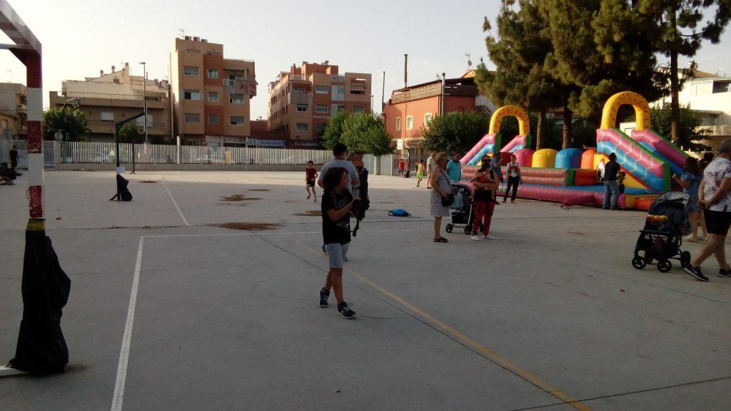 Alumno jugando al Laser Tag en el Colegio La Arboleda de Murcia