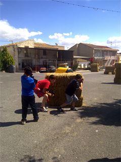 Niños jugando en fiestas de la Matanza de Santomera